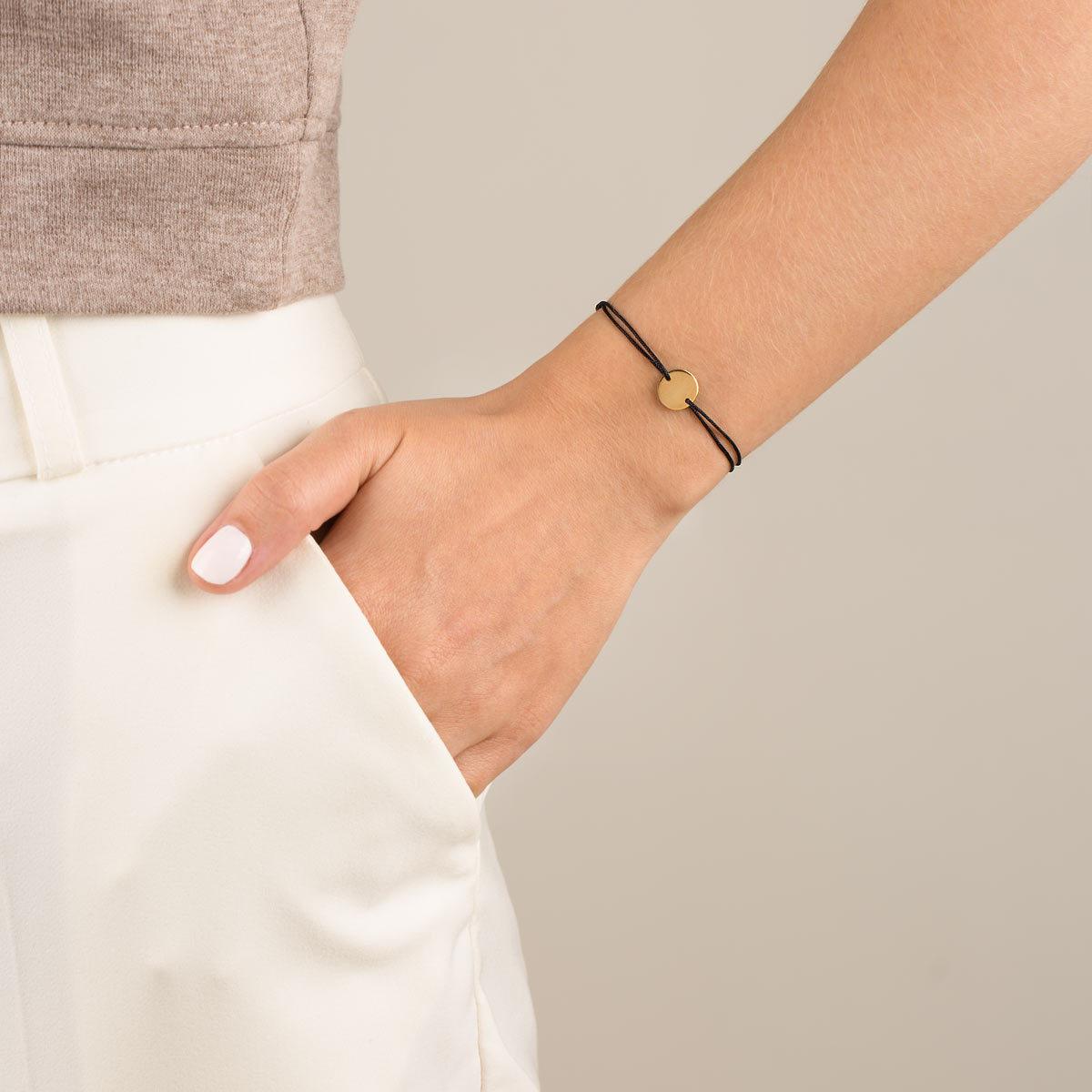 دستبند طلا بافت مشکی دایره حکاکی کوچک